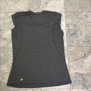 LULULEMON tank top size 4 perfect condition